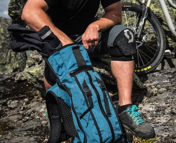 10L-Hydration-Pack-600x489-15