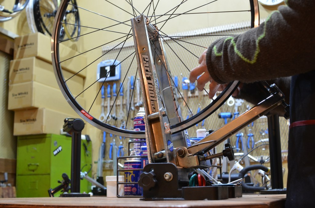 GreaseMonkeyBikeSchool 「Advanced : Gorilla Spun Wheel Building Class」