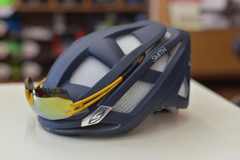 smithoptics overtale helmet pivlock